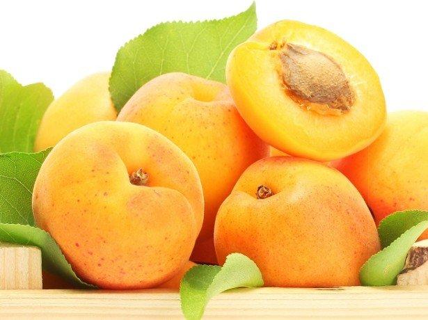 Сладкий абрикос – полезные свойства подходят не всем?
