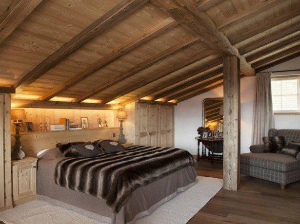 Особенности интерьера мансарды в деревянном доме