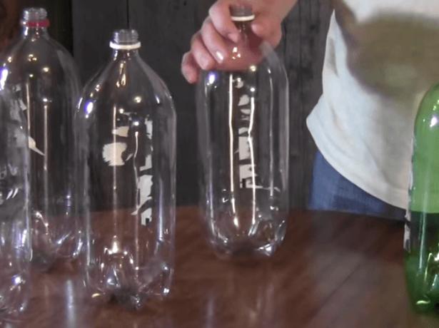 Пластиковые бутылки для теплицы
