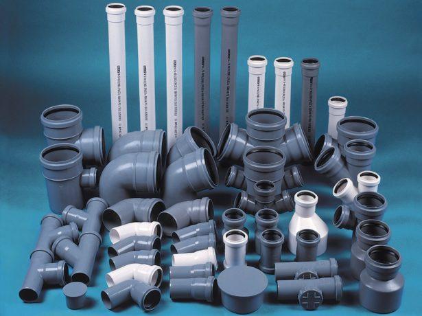 Пластиковые трубы с переходниками и соединителями