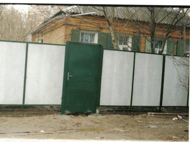 Забор из плоского шифера своими руками