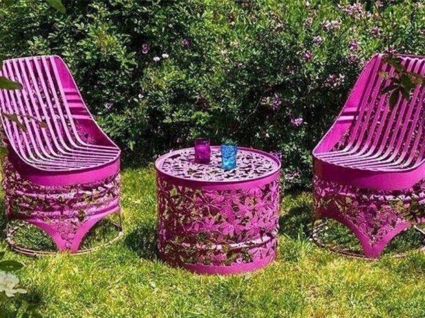 Набор садовой мебели из металических бочек