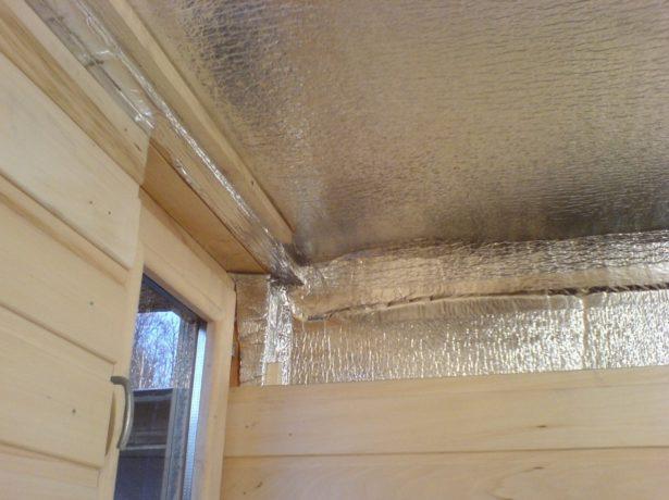 Фольга на потолке в бане