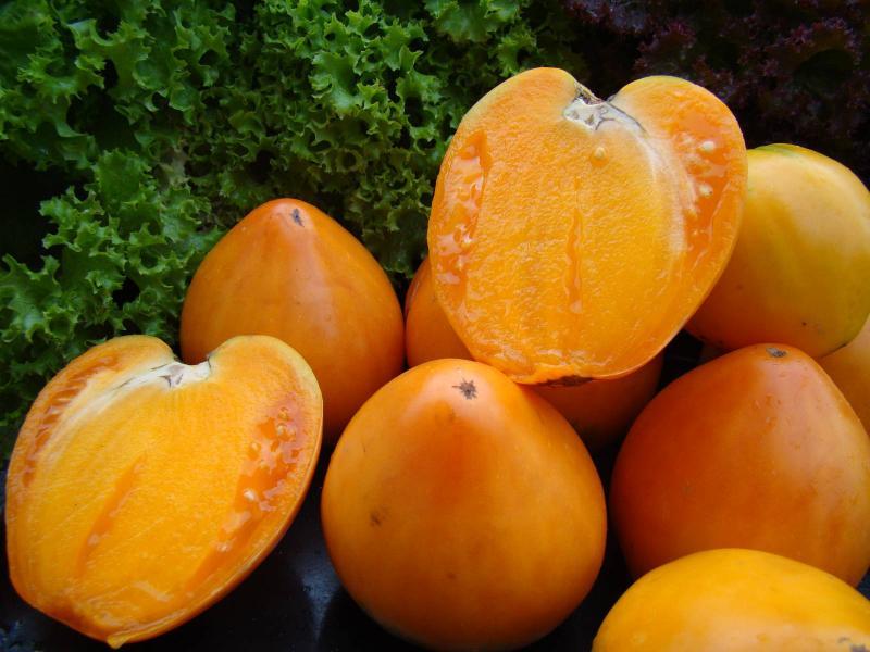 Томат Золотое сердце - описание сорта, характеристика, урожайность, отзывы, фото