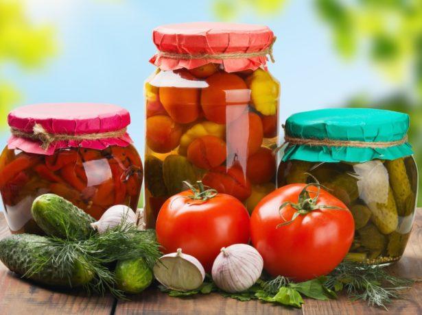 Заготовки с томатами