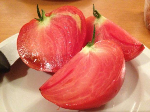 Сочный томат Воловье сердце