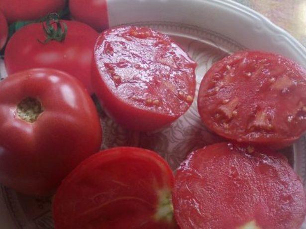 Плоды томата Пинк Парадайз в разрезе