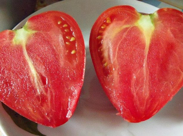 Томат Розовое сердце в разрезе