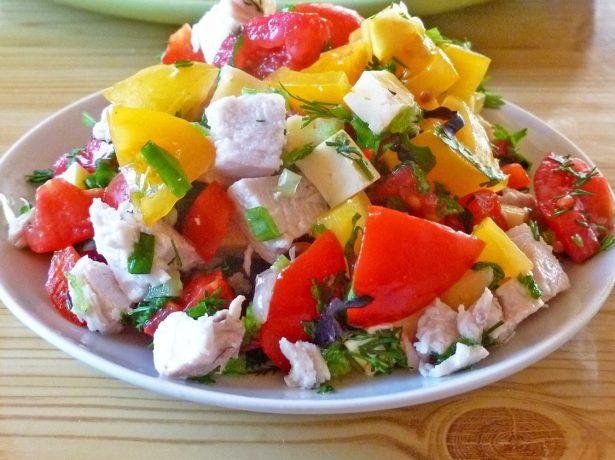 Салат с жёлтыми помидорами