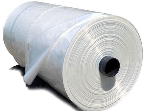 Рулон полиэтиленовой плёнки