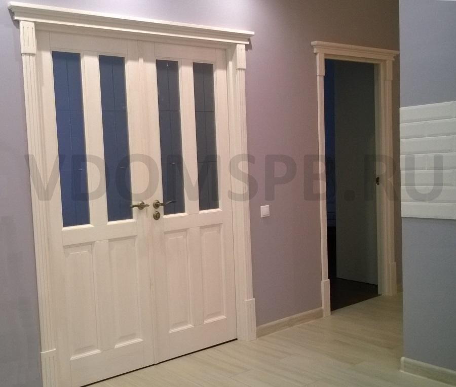 Двухстворчатая дверь из сосны с покрытием белый воск