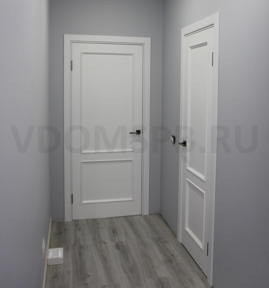 Окрашенные двери со штапиком