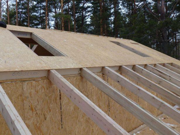 Монтаж крыши частного дома из СИП–панелей