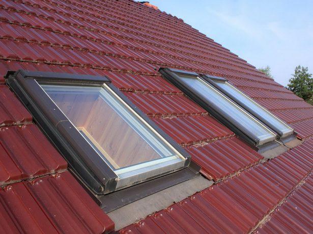 Прозрачные люки для выхода на крышу дома