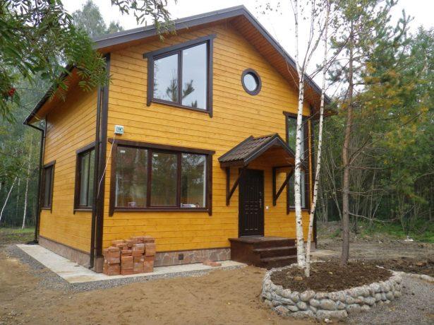 Каркасный дом с двускатной крышей