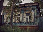 Жилой деревянный дом в старом стиле