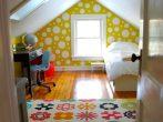 Детская комната в небольшой мансарде