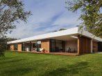 Дом в американском стиле с открытым фасадом