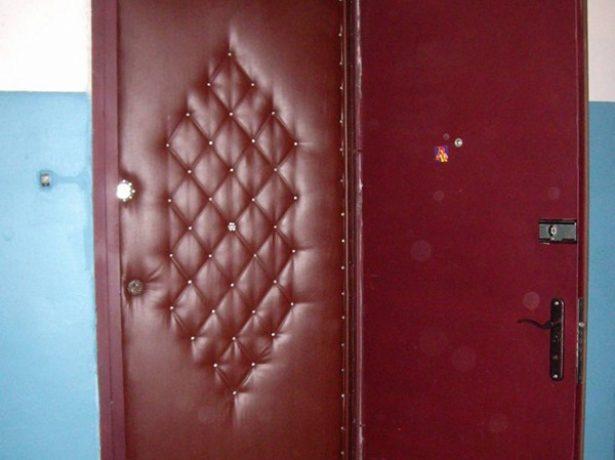 Дверь, утеплённая снаружи