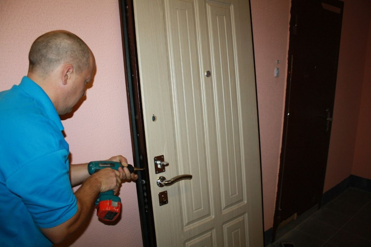 Ремонт и отделка входных дверей и дверных проёмов
