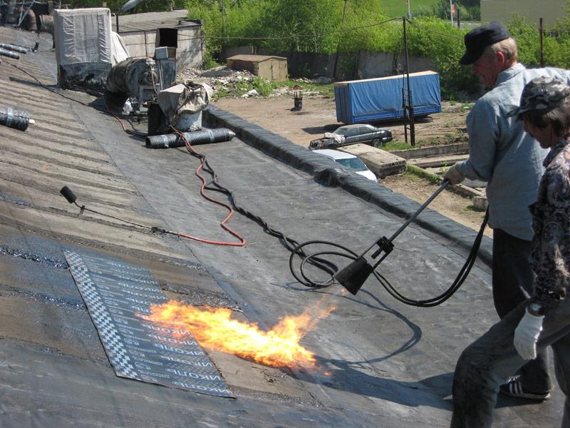 укладка технониколя на крышу