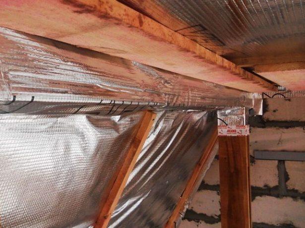Крепление пароизоляции к стенам из кирпича
