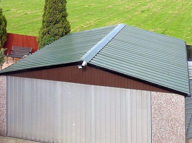 Крыша с углом наклона 20°, покрытая профлистом