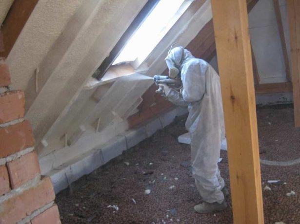 Обработка скатов крыши мансарды
