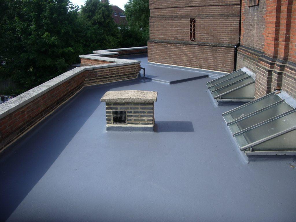 Технология разных вариантов гидроизоляции крыши: материалы и их применение