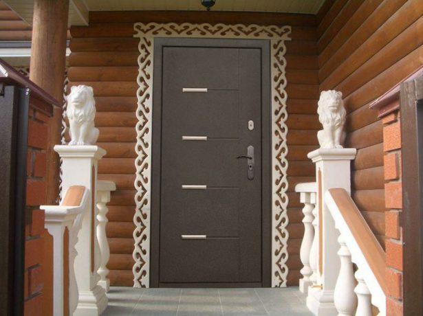 Металлическая дверь в частный дом
