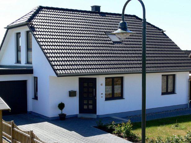 Голландская полувальмовая крыша