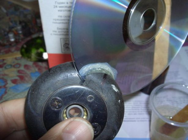 Установка CD-диска