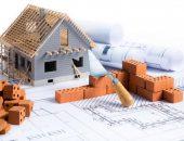Перед тем, как возводить крышу, нужно рассчитать уклон скатов, от которого зависит устойчивость и прочность конструкции.