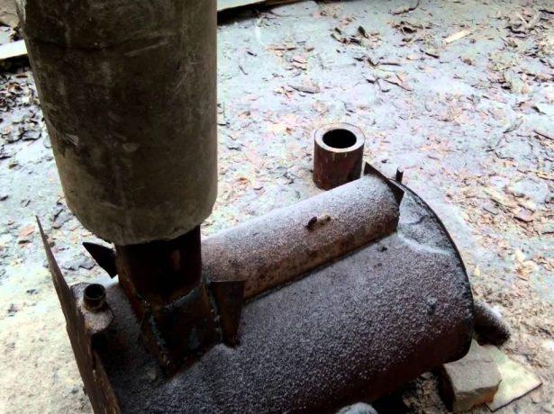 Результат взрыва трубы из асбеста