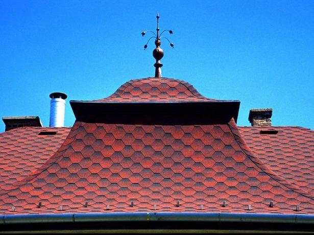 Гибкая черепица на вогнутой крыше