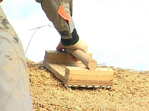Деревянная лопатка-подбивка