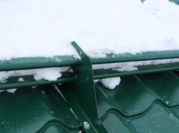 Выступ труб снегозадержателя