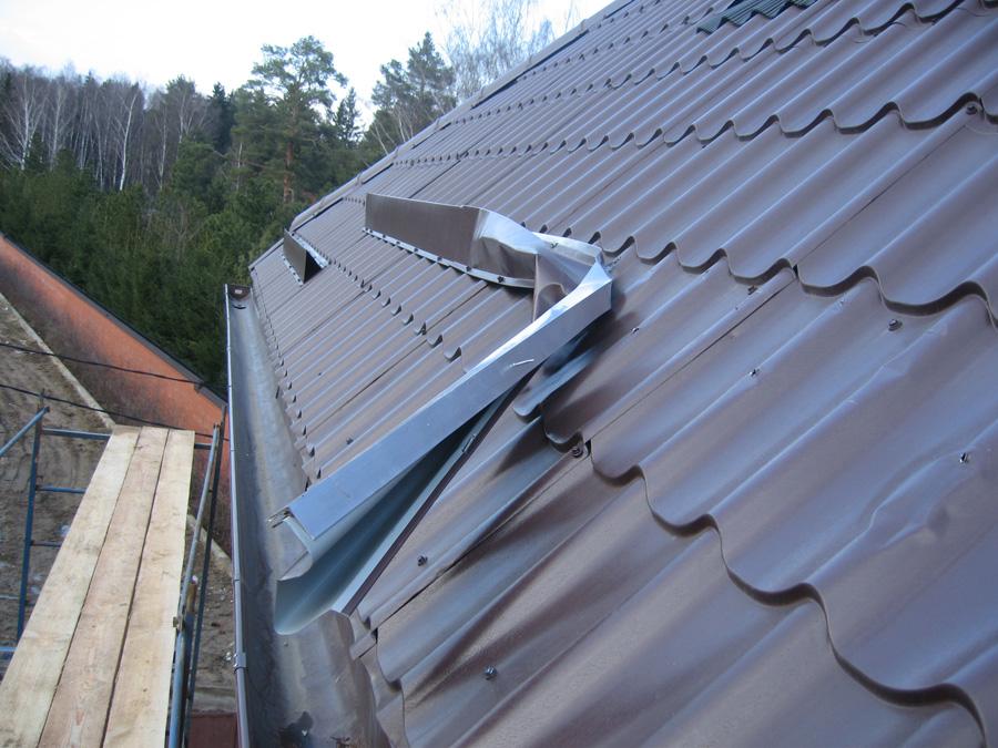 установить уголковые снегозадержатели на металлочерепицу