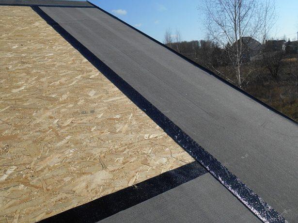 Подкладочный ковёр, уложенный на OSB панели