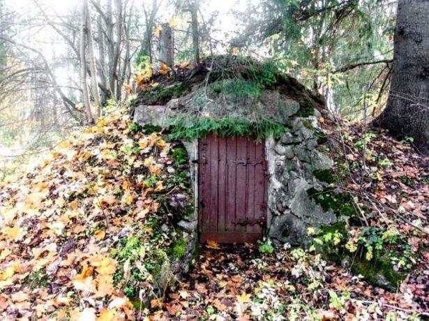 Схрон на садовом участке