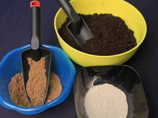 Земля и песок