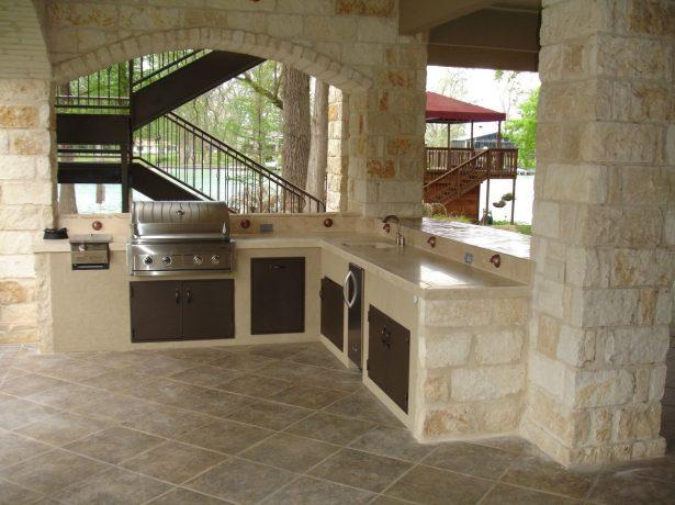 Кухня из камня