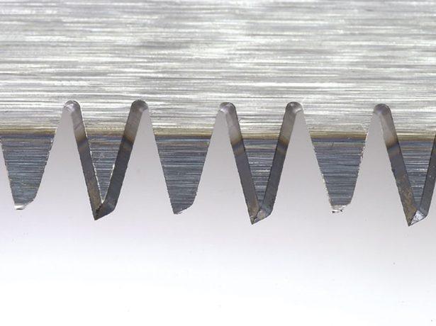 Ножовка с калёными зубьями