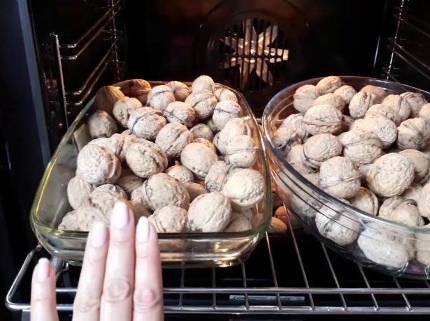 Грецкие орехи в духовке