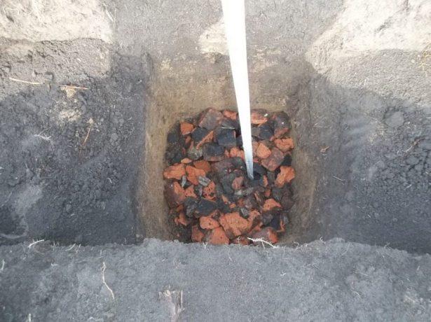 Посадочная яма для персика