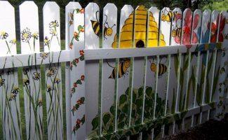 5 идей, как спрятать некрасивый забор на вашем участке