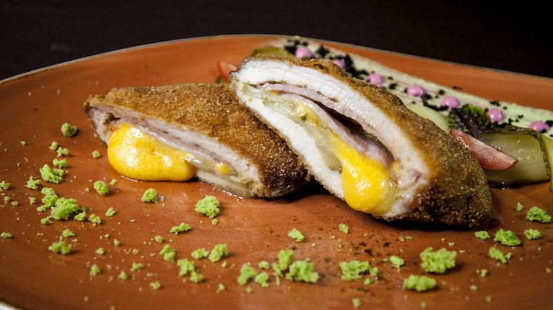6 блюд для новогоднего стола, которые точно порадуют хозяев и их гостей