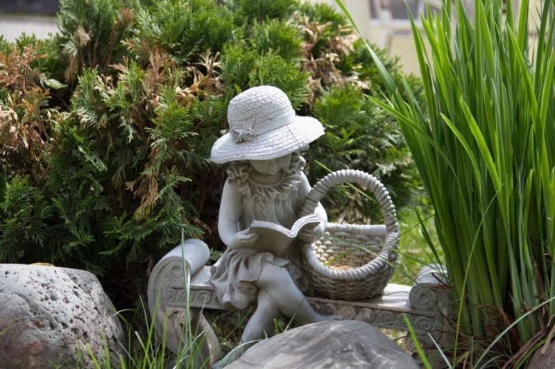 скульптуры для сада картинки палец