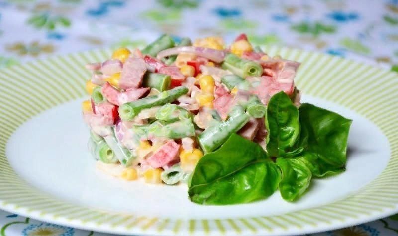 Вкусно и недорого: 5 ярких салатов на старый Новый год