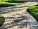 Как вернуть былую чистоту садовым дорожкам